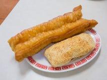 Petits pains de four d'argile et baton de pain frit Images libres de droits