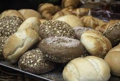 Petits pains de pain complet photos stock