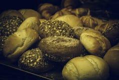 Petits pains de pain complet image libre de droits