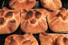 Petits pains de pain cuits au four faits maison photographie stock