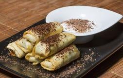 Petits pains de ressort de chocolat et de banane Images stock