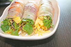 Petits pains de ressort frais thaïlandais photos stock