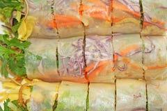Petits pains de ressort frais thaïlandais images stock