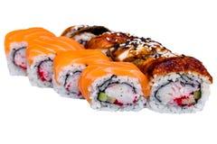 Petits pains de saumons et de caviar d'isolement sur le blanc Photos stock
