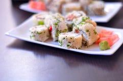 Sushi colorés et délicieux Image stock