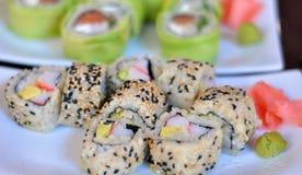 Sushi colorés et délicieux Images libres de droits