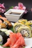 Petits pains de sushi et nigiri Photo stock