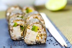 Petits pains de sushi faits maison de vegan de Vegan Image libre de droits