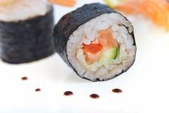 Petits pains de sushi frais Photo stock