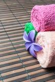 Petits pains et fleur de serviettes de station thermale Photos libres de droits