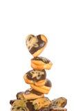 Petits pains sous forme de coeurs sur le fond blanc Photographie stock libre de droits