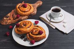 Petits pains tordus ronds de Denish Photographie stock libre de droits
