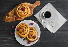 Petits pains tordus ronds de Denish Photo libre de droits