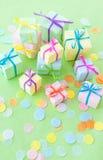 Petits présents colorés Photographie stock libre de droits
