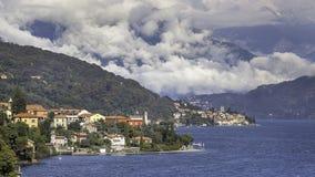 Petits villages autour de lac Como photo stock