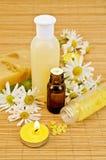 Petróleo con el jabón y la sal amarillos Imagen de archivo