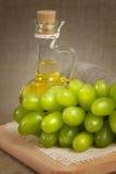 Petróleo de germen de la uva Fotos de archivo libres de regalías