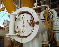 Petróleo e gás a pouca distância do mar da indústria Imagem de Stock Royalty Free
