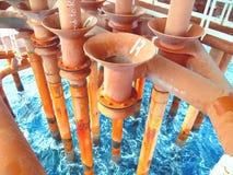 Petróleo e gás a pouca distância do mar da indústria Imagem de Stock