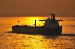 Petróleo e indústria do gás - petroleiro de petróleo do grude Fotografia de Stock