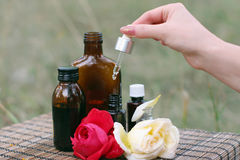 Petróleo esencial de la flor imagen de archivo libre de regalías