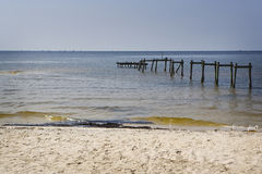 Petróleo a lo largo de la playa, Mississippi Imagen de archivo libre de regalías
