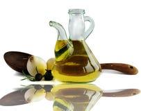 Petróleo verde-oliva e cebola Foto de Stock Royalty Free