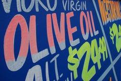 Petróleo verde-oliva virgem extra imagens de stock royalty free
