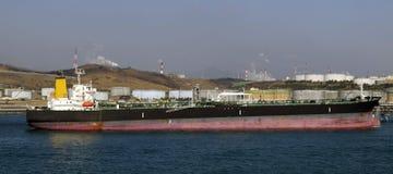 Petróleo y industria petrolera - buque de petróleo del grude Fotografía de archivo libre de regalías