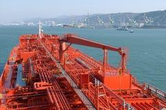 Petróleo y industria petrolera - buque de petróleo del grude Fotografía de archivo