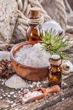 Petróleos esenciales y sal de baño foto de archivo