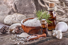 Petróleos essenciais e sal de banho Foto de Stock Royalty Free