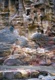 Petra的五颜六色的岩层在约旦 免版税库存图片