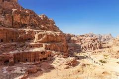 Petra -古城、首都的Edomites和以后资本Nabataean王国,举世闻名的旅游la顶视图  免版税库存照片
