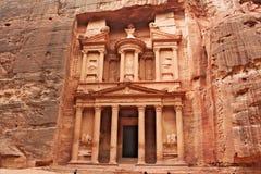 Petra Al Khazneh -财宝在古城Petra 免版税库存图片