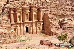 Petra den borttappade staden i sydlig Jordanien royaltyfria foton