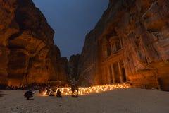 PETRA, Giordania, il 24 dicembre 2015, il Ministero del Tesoro, Petra By Night Immagine Stock Libera da Diritti