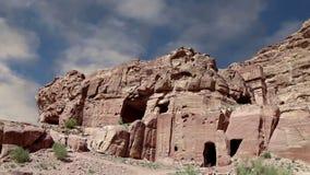 PETRA, Jordânia, Médio Oriente -- é um símbolo de Jordânia, assim como o ` s de Jordânia mais-visitou a atração turística video estoque