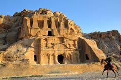 PETRA, JORDÂNIA: O túmulo do obelisco imagem de stock
