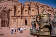 Petra Jordan cinzelou o templo fotografia de stock royalty free