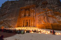 Petra, Jordanië, 24 December 2015, de Schatkist, Petra By Night Stock Foto