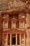 PETRA, Jordania construção antiga sobre as montanhas Fotografia de Stock Royalty Free
