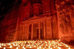 PETRA, Jordanie Juillet 2014 - PETRA par dire d'histoire de nuit et événement de représentation photographie stock