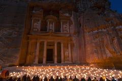 PETRA, Jordanie, le 24 décembre 2015, le trésor, Petra By Night Photo stock