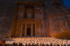 PETRA, Jordanien am 24. Dezember 2015 der Fiskus, Petra By Night Stockfoto