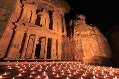 Petra por noche, en Jordania foto de archivo libre de regalías