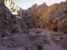Petra; Raqmu - historyczne ruiny antyczny, rockowy miasto Nabatean Arabians, Ja lokalizuje w południowo-zachodni Jordania Ja jest zdjęcie stock