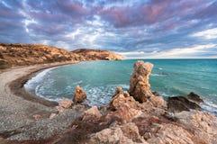 Petra tou Romiou De avond van de winter Paphos cyprus Royalty-vrije Stock Fotografie