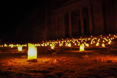 Petra Treasury alla notte Fotografia Stock