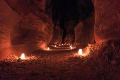Petra vid natt i Jordanien Arkivfoton